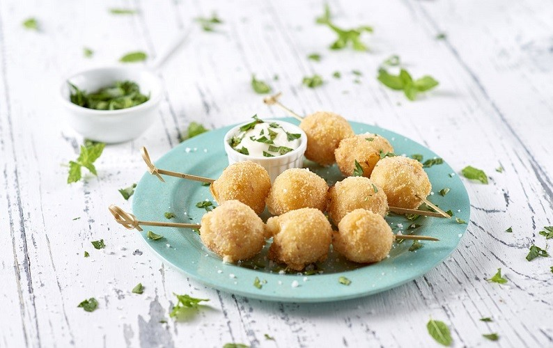 Bechamel croquettes with mortadella and peas