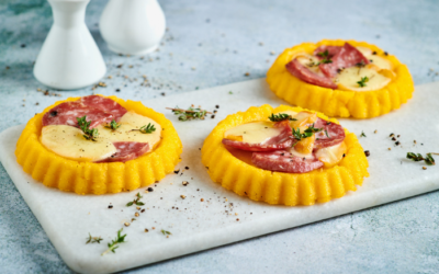 Polenta tartlets with salami and smoked scamorza cheese